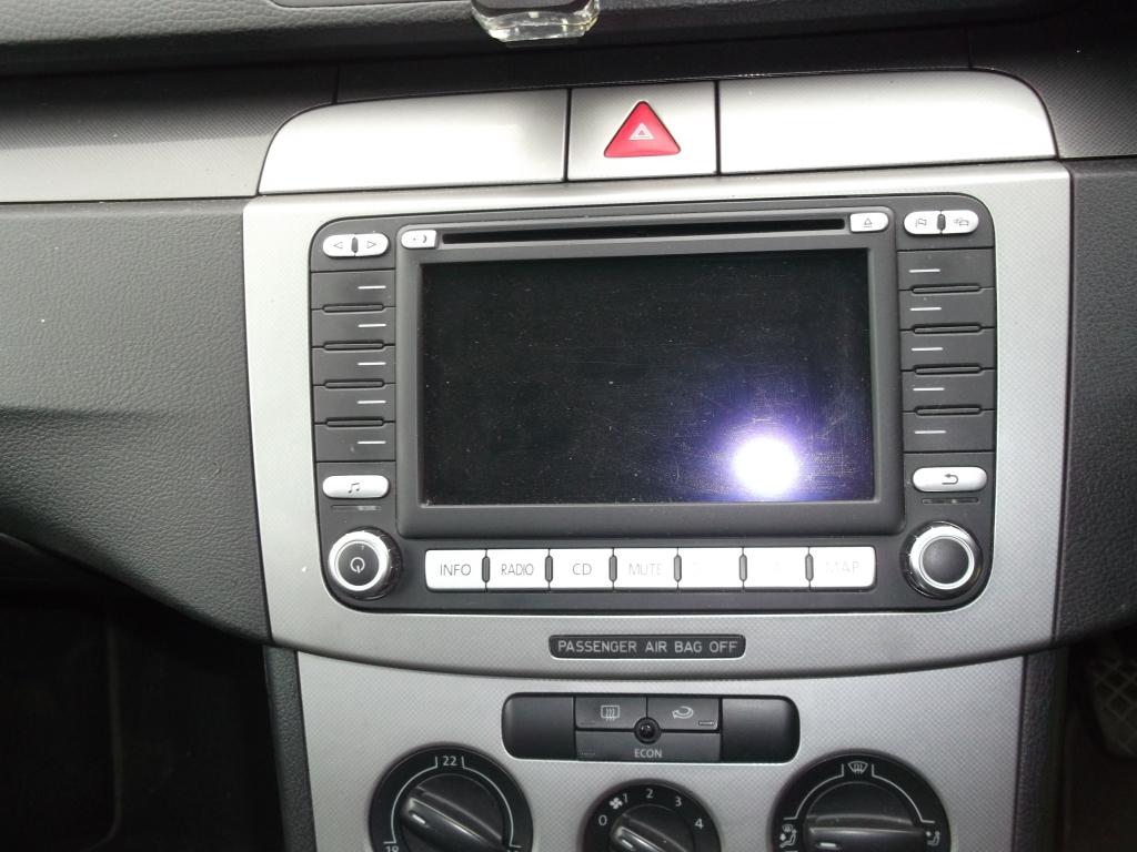 Штатная магнитола с монитором Volkswagen Passat B6