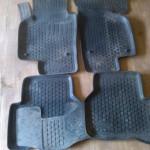 Оригинальные резиновые коврики в салон Пассат Б6